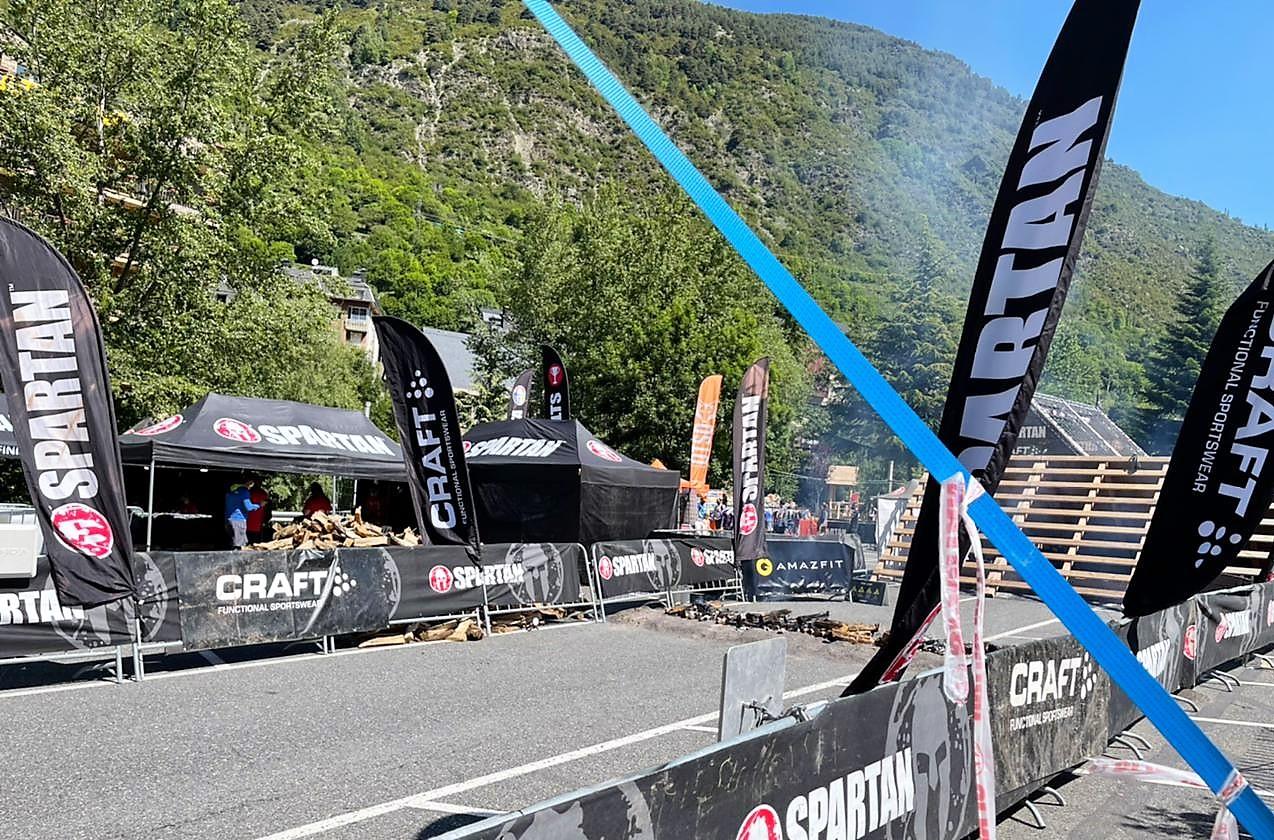 Llenya de Tot Boscos a la Spartan Race. Spartan Sprint es una carrera de 5 km y 20 obstáculos que cambiará tu vida.